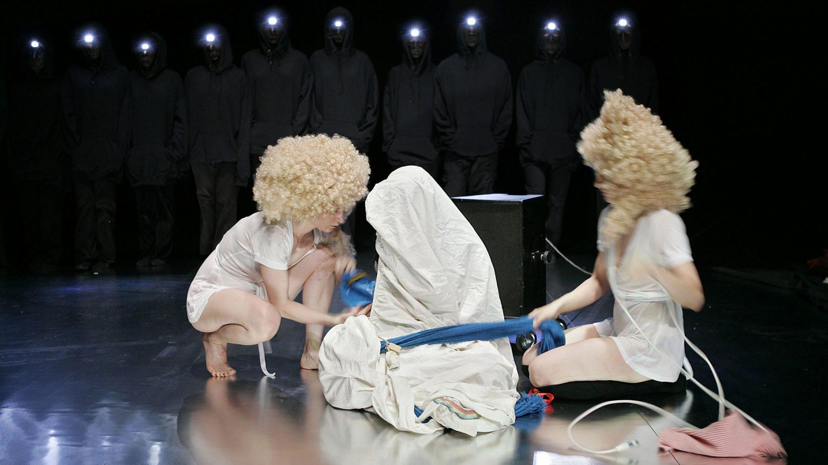 Nadia Lauro – Mhmmmm - Mhmmmm 2005