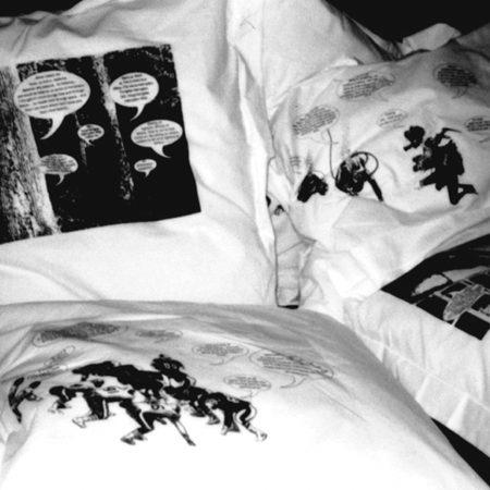 Narrative pillows Um estar aqui cheio 2001